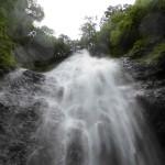 くろくまの滝のましたからの写真です。迫力最高