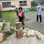 ピザ窯の薪も割りました