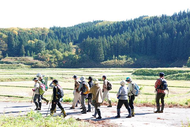 この角度から岩木山は初めてと言う参加者。新鮮に見えたみたいです